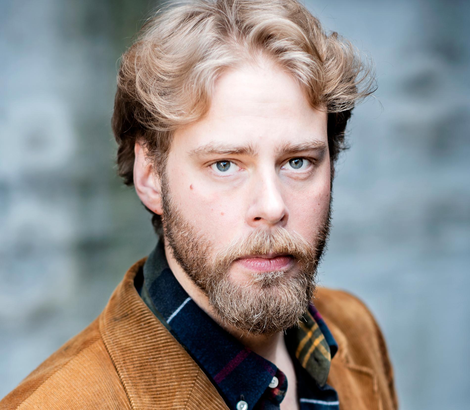 Henrik Evertsson, regissör bakom nya dokumentärserien om Estonia-katastrofen.