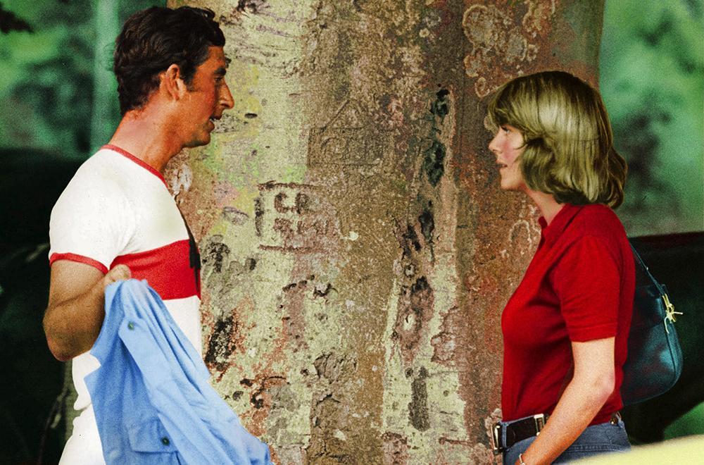 Prins Charles kunde aldrig glömma sin ungdomskärlek Camilla. Trots att de båda var gifta på varsitt håll fortsatte de att träffas.