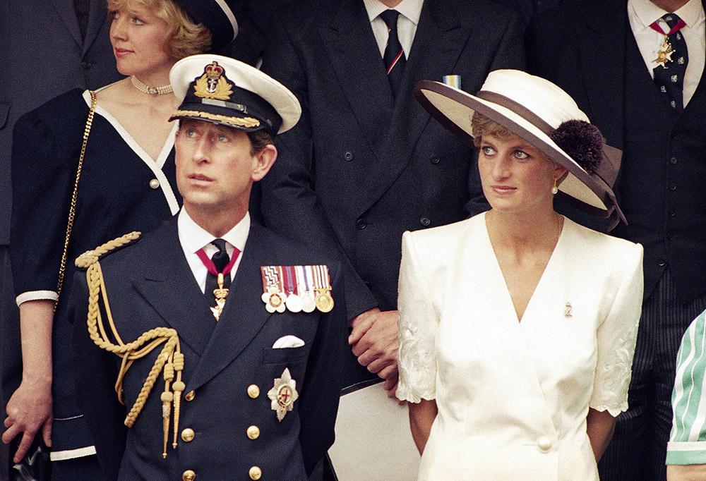 Prins Charles och prinsessan Dianas äktenskap var inte lyckligt. Under många år träffade prinsen Camilla Parker-Bowles vid sidan av.