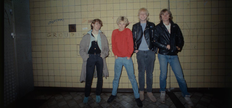 """Rockgruppen Noice i tunnelbanan 1980. Kompisgänget från Gustavsberg slog igenom stort med låtar som """"En kväll i tunnelbanan"""" och """"Vi rymmer bara du och jag""""."""