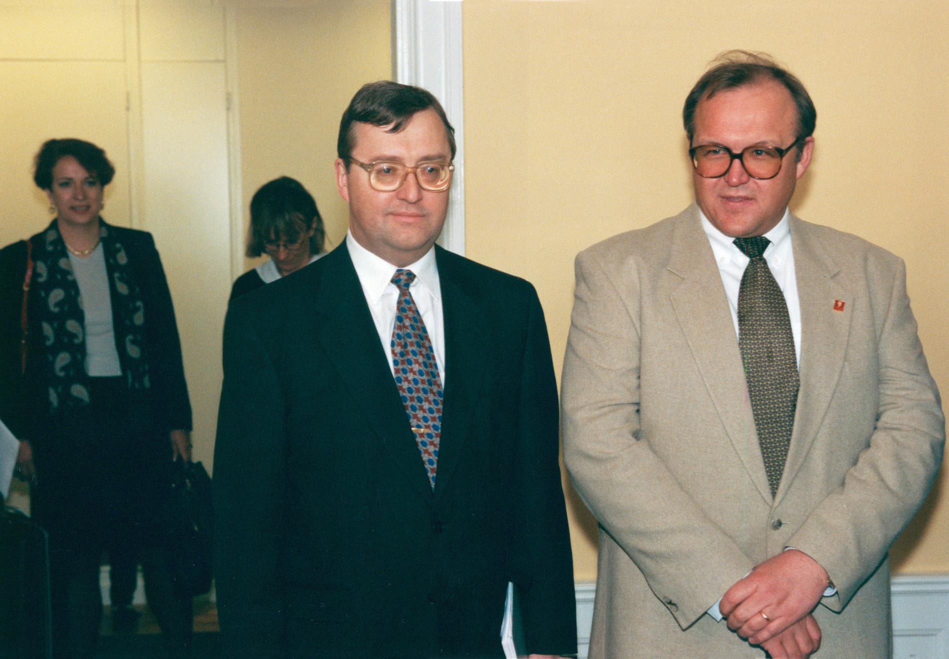 Finansministrarna Erik Åsbrink och Göran Persson, 1996.