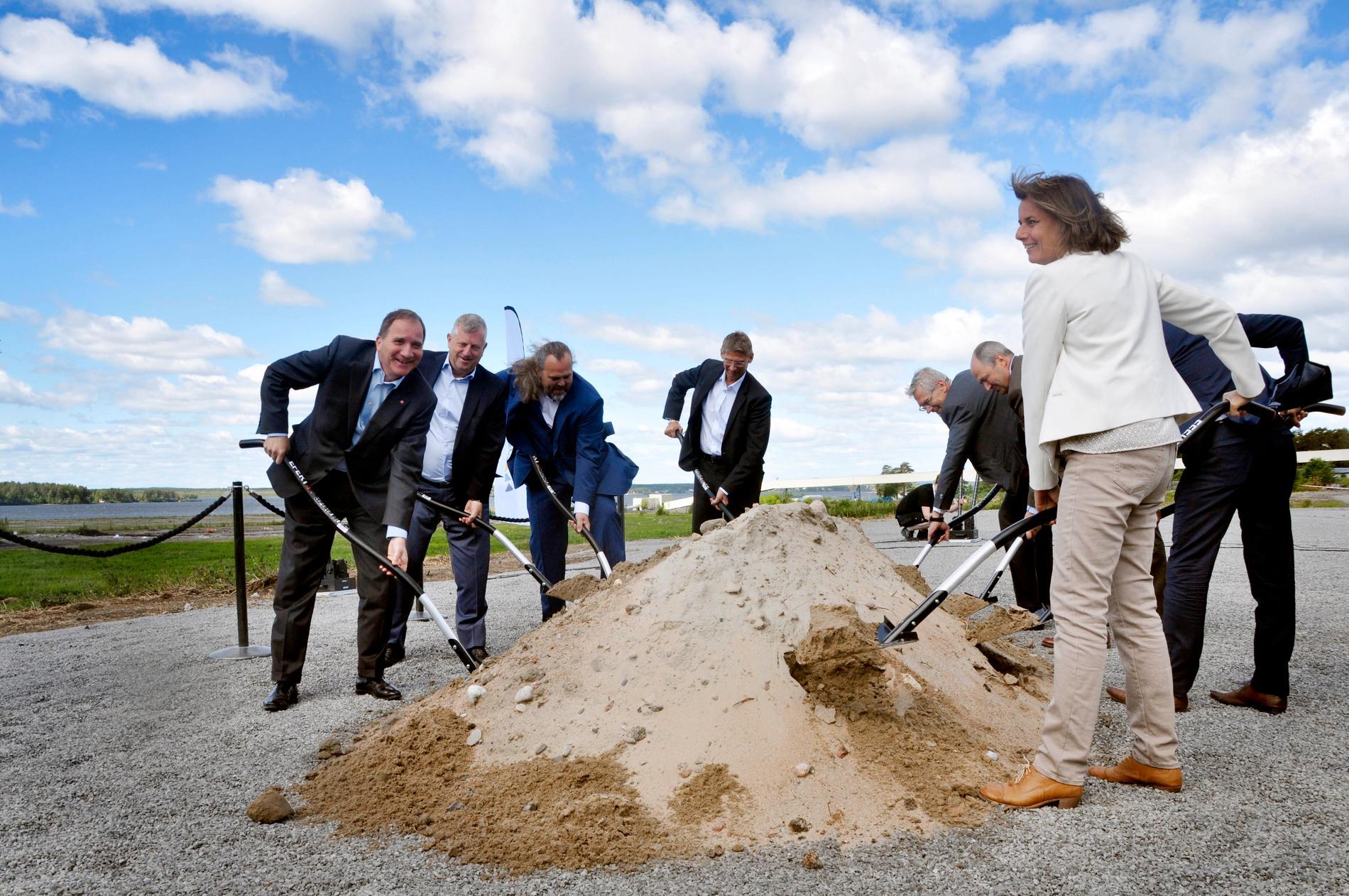 För två år sedan var Stefan Löfven på plats när bygget av försöksanläggningen startade i Luleå. I dag invigs han den.