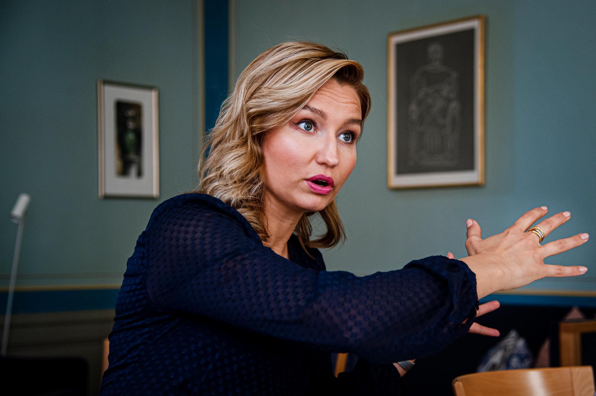 """Ebba Busch framstår i allt tydligare dager som en sällsynt elak liten fan"", skriver Jan Guillou."
