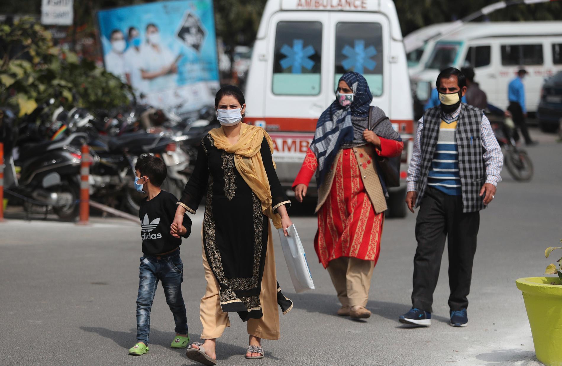 Invånare i staden Jammu i norra Indien.