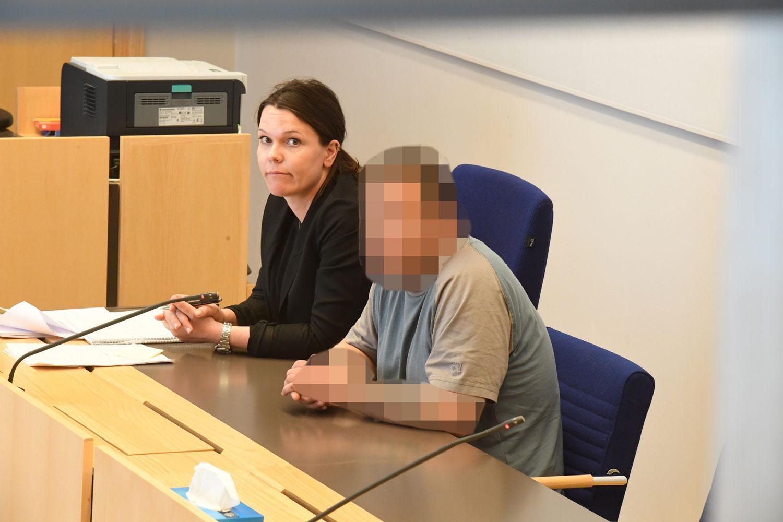 Efter 40 minuter häktades mannen, misstänkt för dödsolyckan i Märsta.