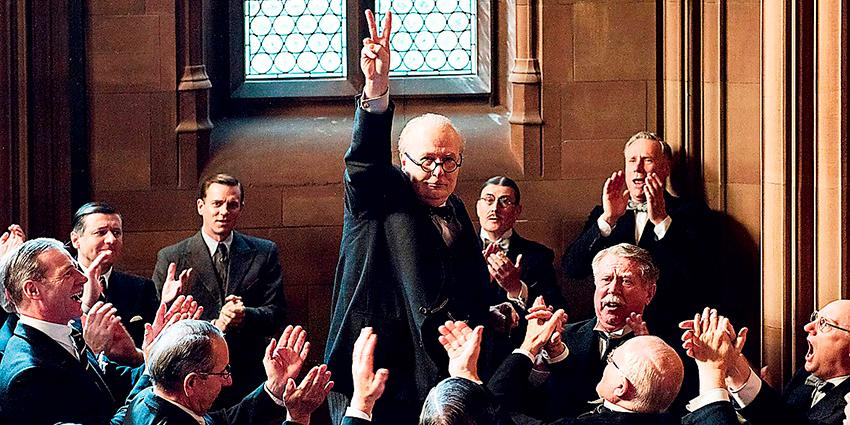 """Gary Oldman som Winston Churchill i filmen """"Darkest hour"""". """"Inga ursäkter gäller för den som fortsätter glorifiera Churchill"""", skriver Jonas Aghed."""