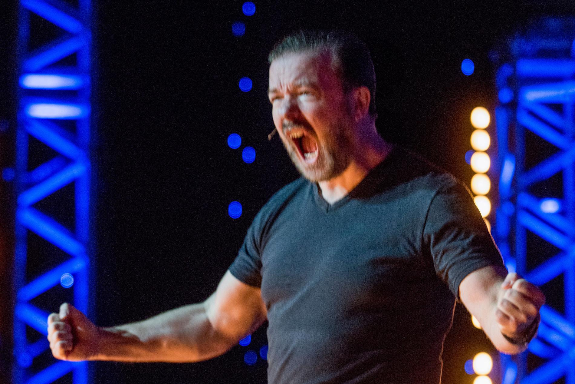 Ankdamm av bitterhet. Gervais show är underhållande och fascinerande, men komikern lever inte riktigt som han lär.