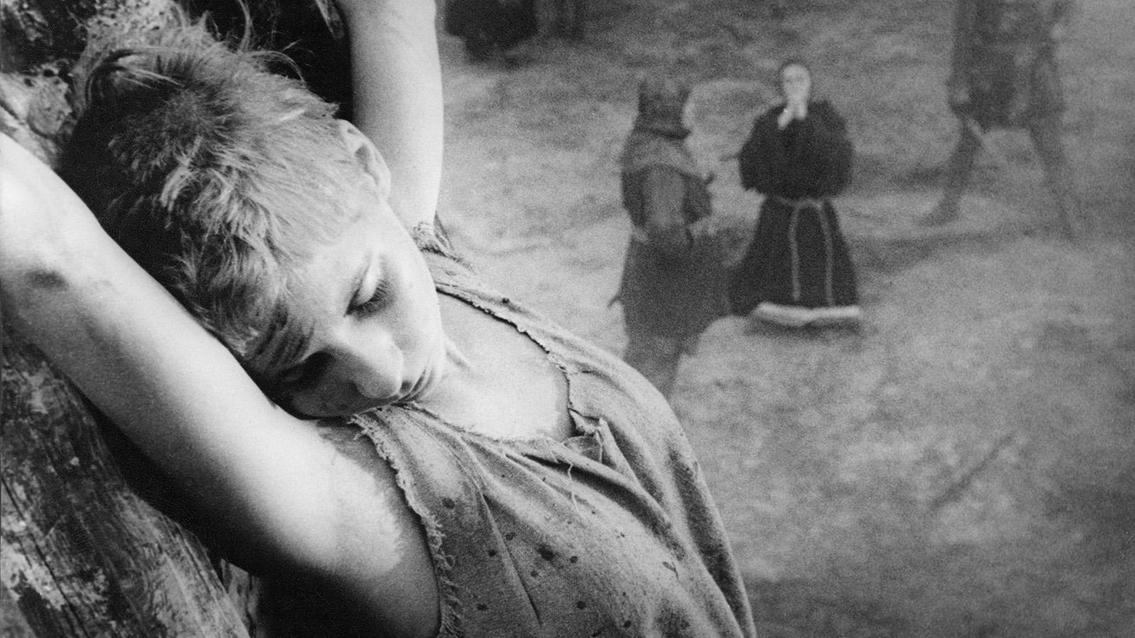 "Maud Hansson Fissoun i Ingmar Bergmans ""Det sjunde inseglet"" 1957."