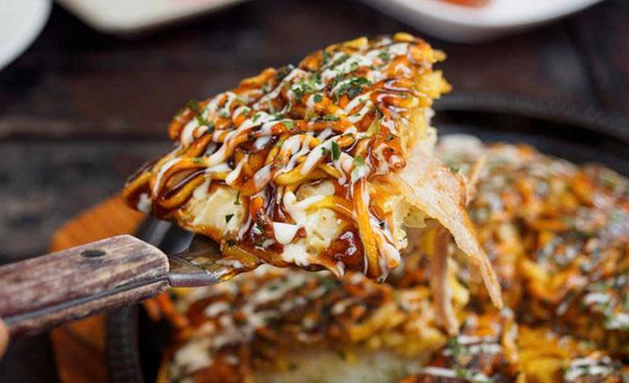Okonomiyaki – alltid en favorit.