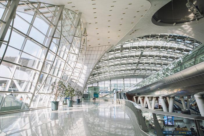 Se en utställning eller ta en skridskotur på isrinken på Incheon International Airport.