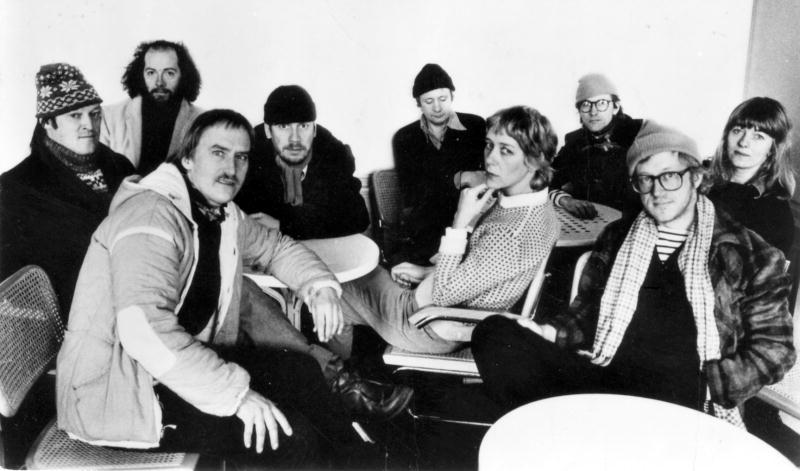 1981. Jussi Larnö, Nikke Ström, Hans Mosesson, Totta Näslund, Ulf Dageby, Med Reventberg, Hans Wiktorsson, Lars Jacobsson och Anki Rahlskog i Nationalteatern.