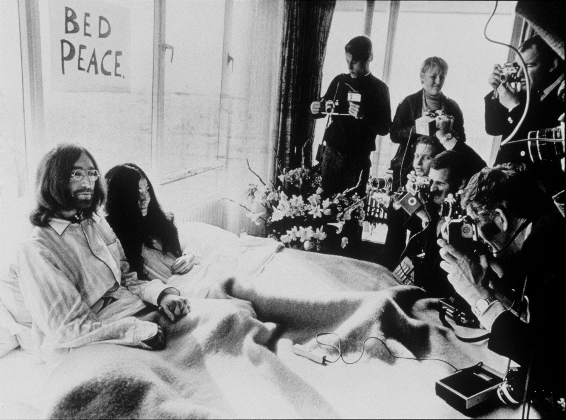 John Lennon och Yoko Ono på The Hilton Hotel i Amsterdam.