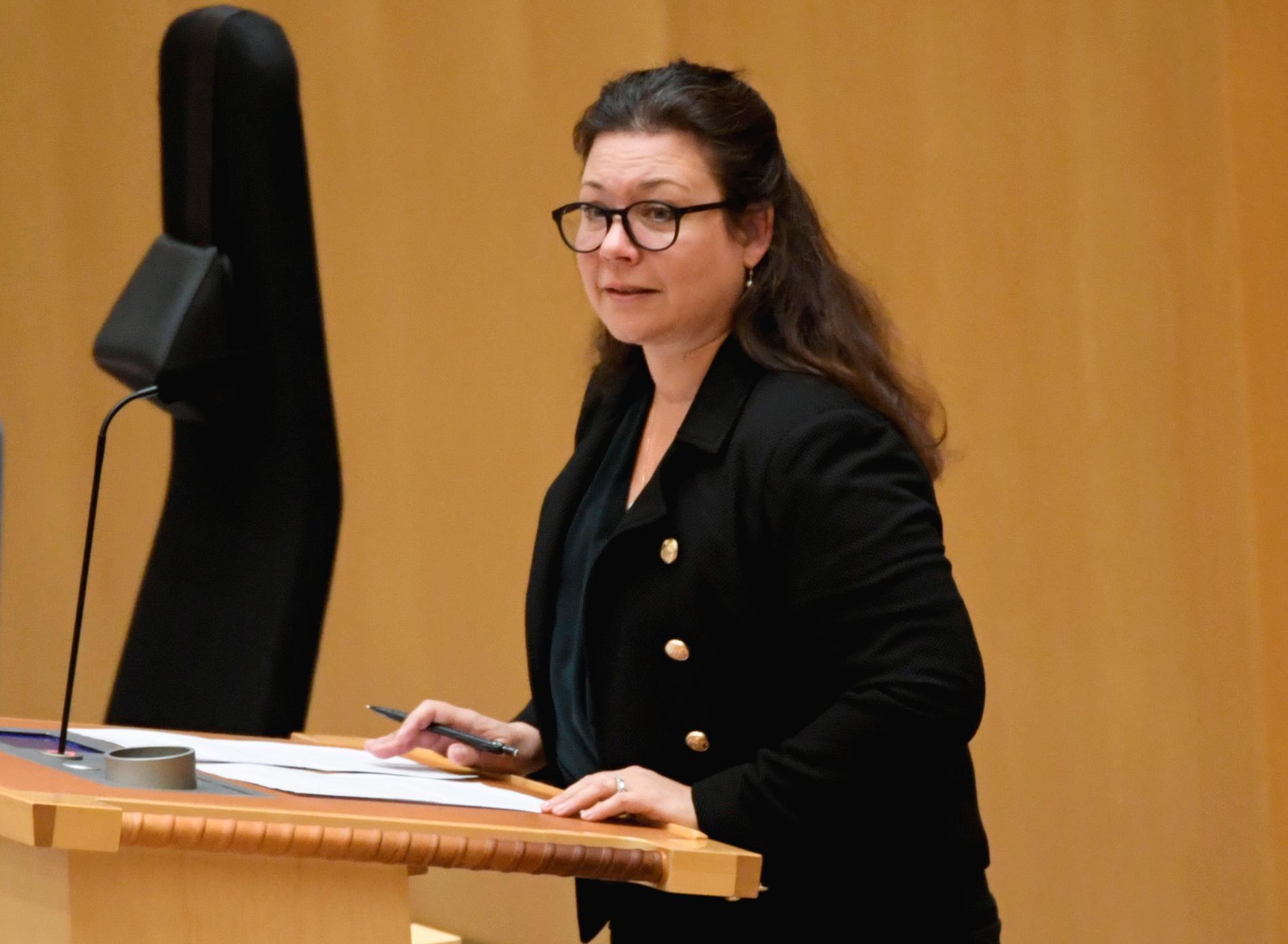 Tina Acketoft (L) lämnar riksdagen i samband med nästa val. Arkivbild.