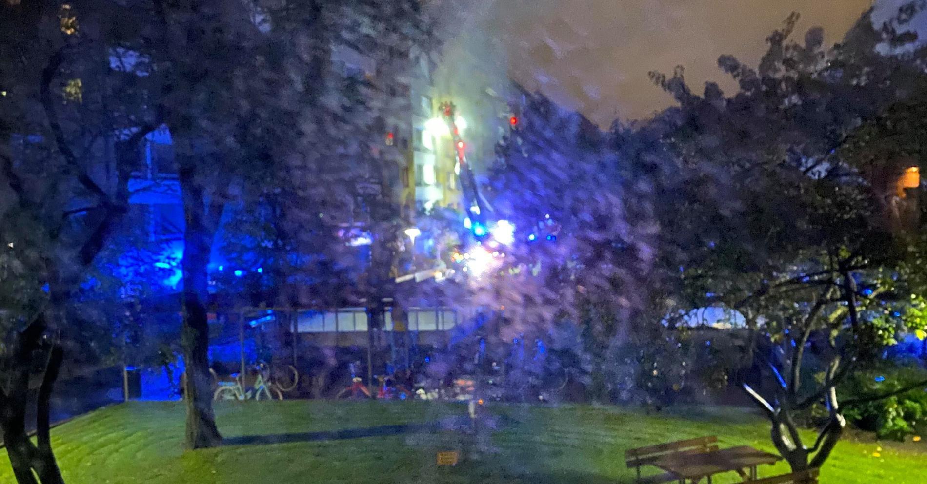 Stor insats efter explosion i lägenhetshus i Annedal i Göteborg.