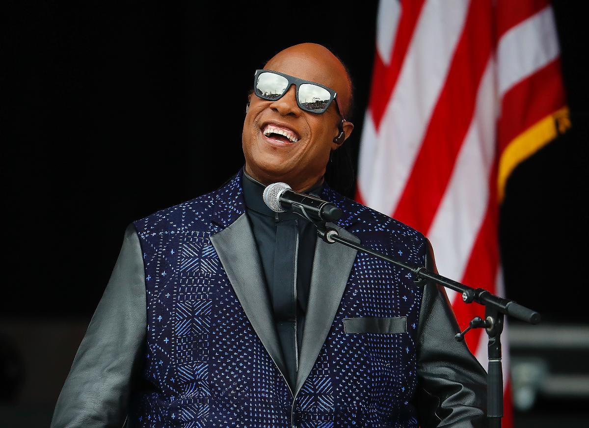 """Om Stevie Wonder hade framfört sitt mästerverk """"Songs in the key of life"""" på Desert trip i Kalifornien, där för övrigt inga svarta artister finns representerade, hade han låtit yngre än alla andra. Albumet kan även vara världens yngsta 40-åring."""