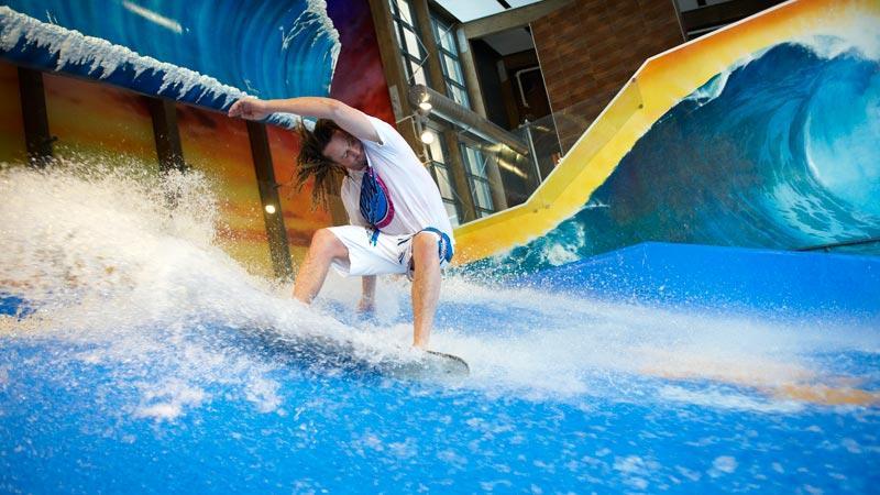 Testa surfing i Sälen/Lindvallens nya flowride.