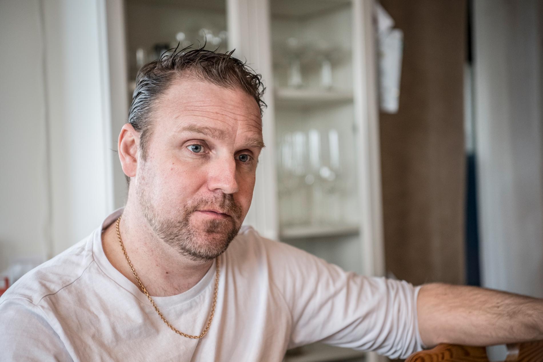 Carl Sydenhag, 42, frågar sig hur många som dött av den kontroversiella medicinen.