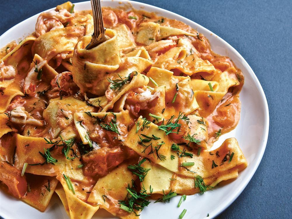 Krämig kräftsås med hemgjord pasta