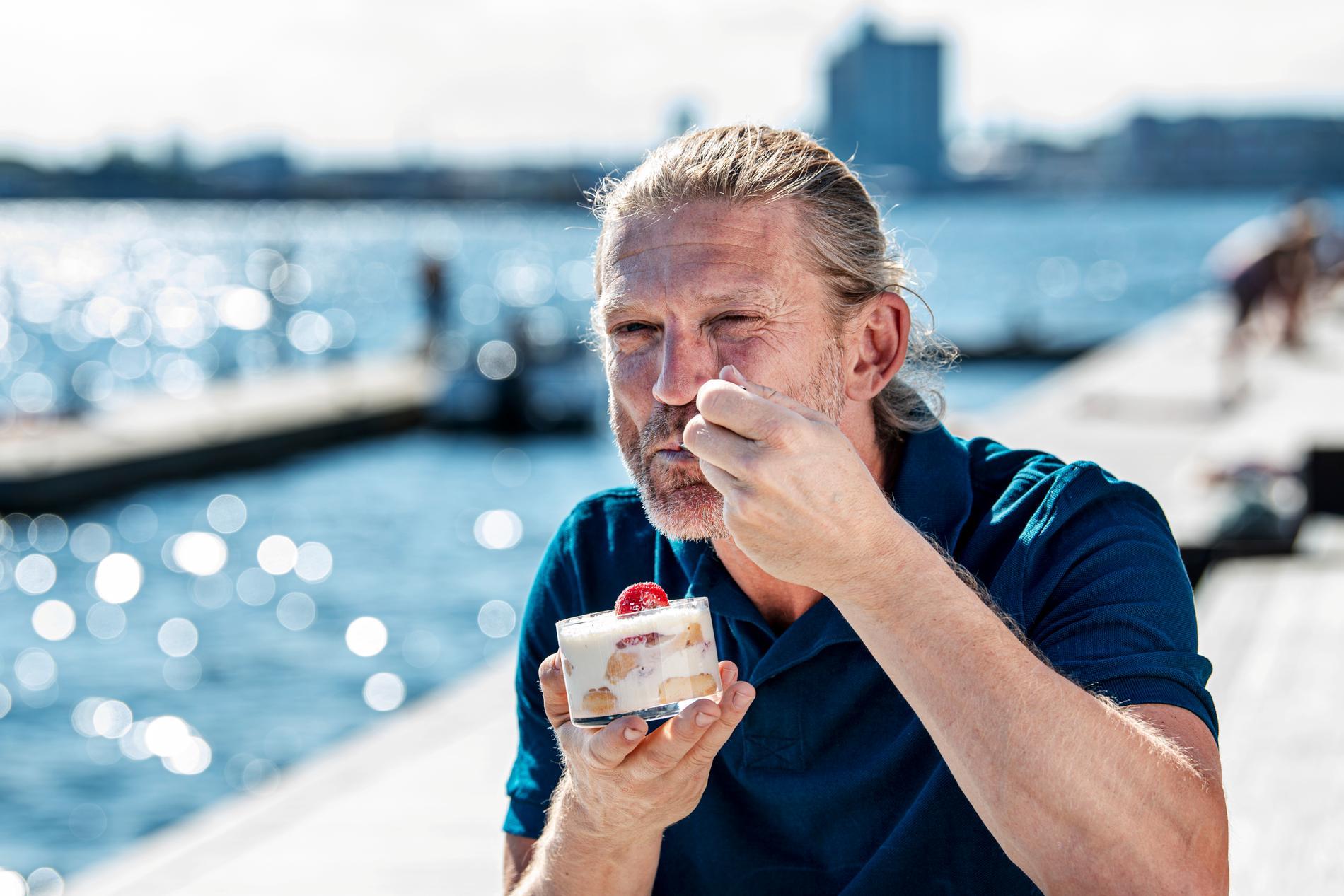 """Forna fotbollsproffset Jesper Blomqvist blev pizzeraägare och vann tv-programmet """"Hela kändis-Sverige bakar""""."""