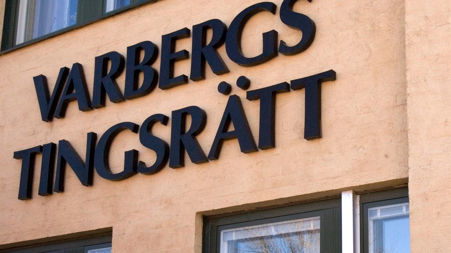 En man åtalas vid Varbergs tingsrätt för minst tio våldtäkter på en flicka i sex-sju-årsåldern. Arkivbild.