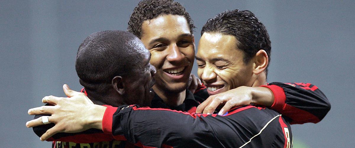 Willy Aubameyang (mitten) under en försäsongsmatch med Milan.