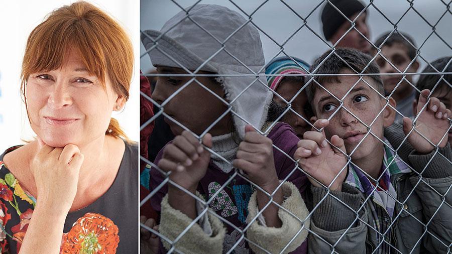 På bara tio år har antalet flyktingar mer än fördubblats. I dag lever nära nio av tio på flykt i sitt eget land eller i ett grannland. Faktum är att de fattigaste länderna tar det största ansvaret för världens flyktingar. Trots det hårdnar debatten kring flyktingar i Europa – och i Sverige, skriver Åsa Widell.