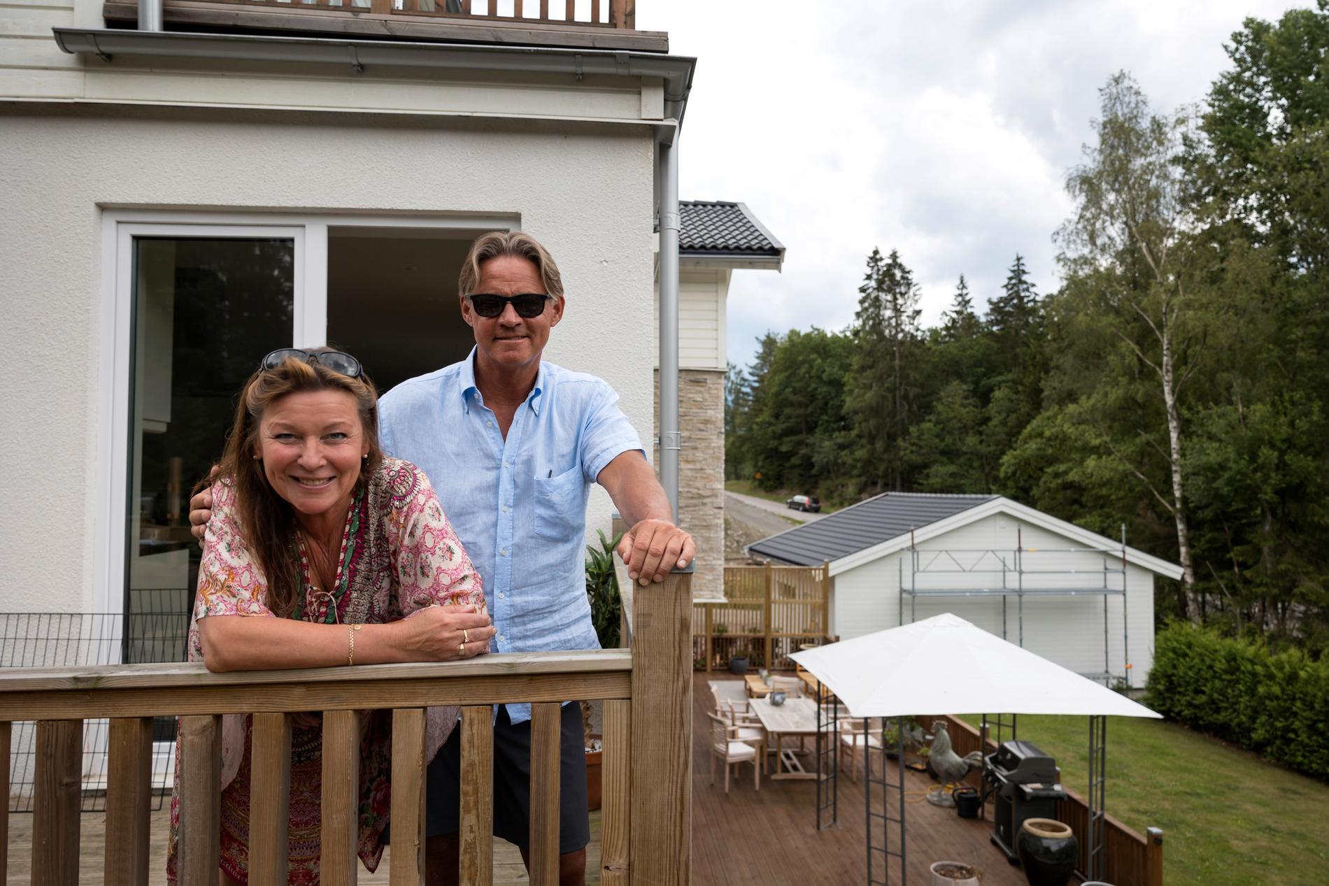Lotta Engberg och Mikael Sandström köpte villan nio månader efter att de träffats första gången.