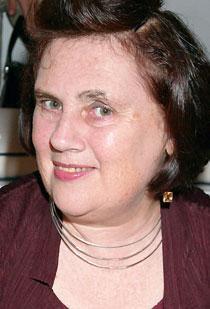 Suzy Menkes kommenterar med vass penna designhusens mode-visningar.