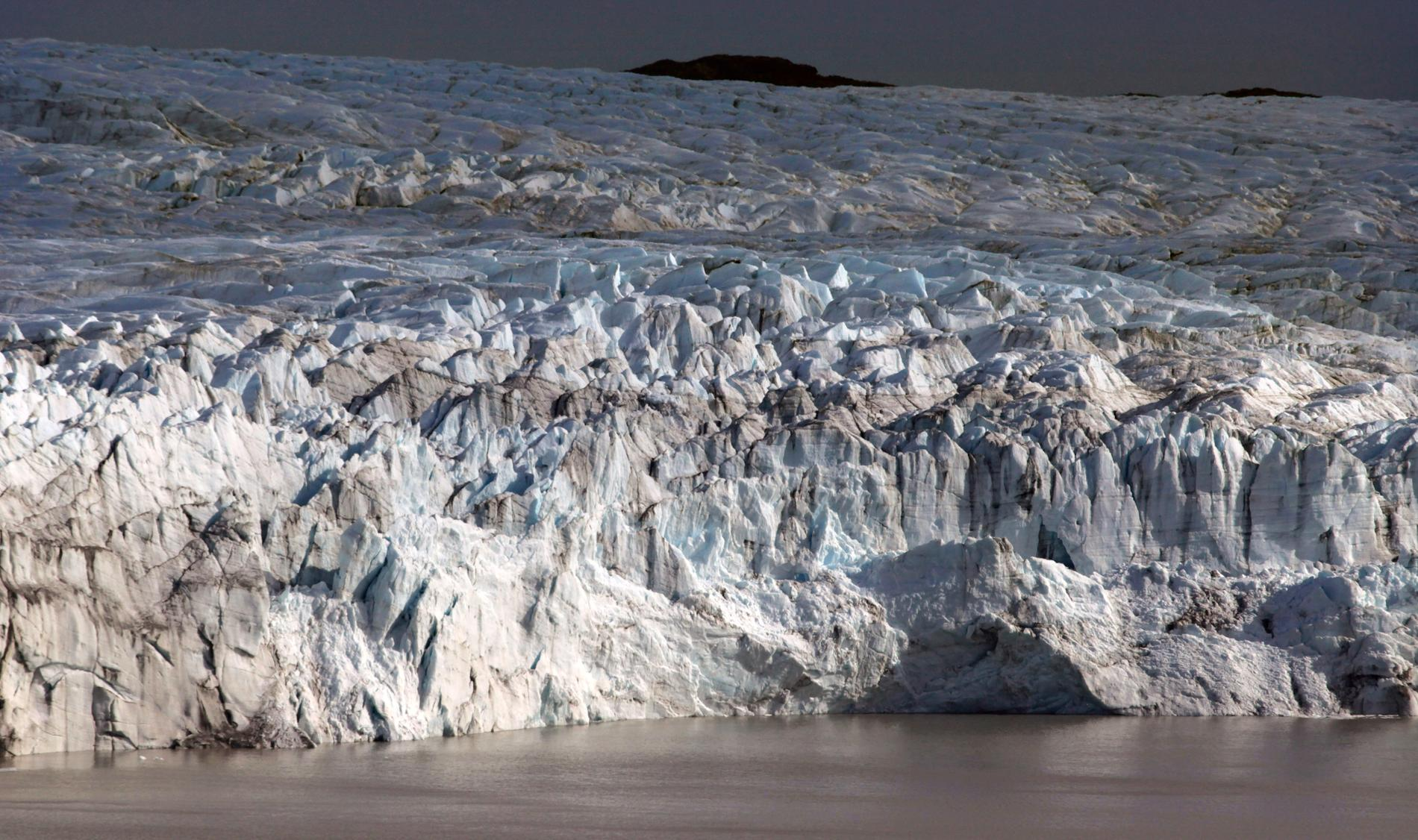 Det regnar allt oftare på Grönland på vintern, vilket påskyndar avsmältningen av isen som täcker stora delar av ön. Arkivbild.