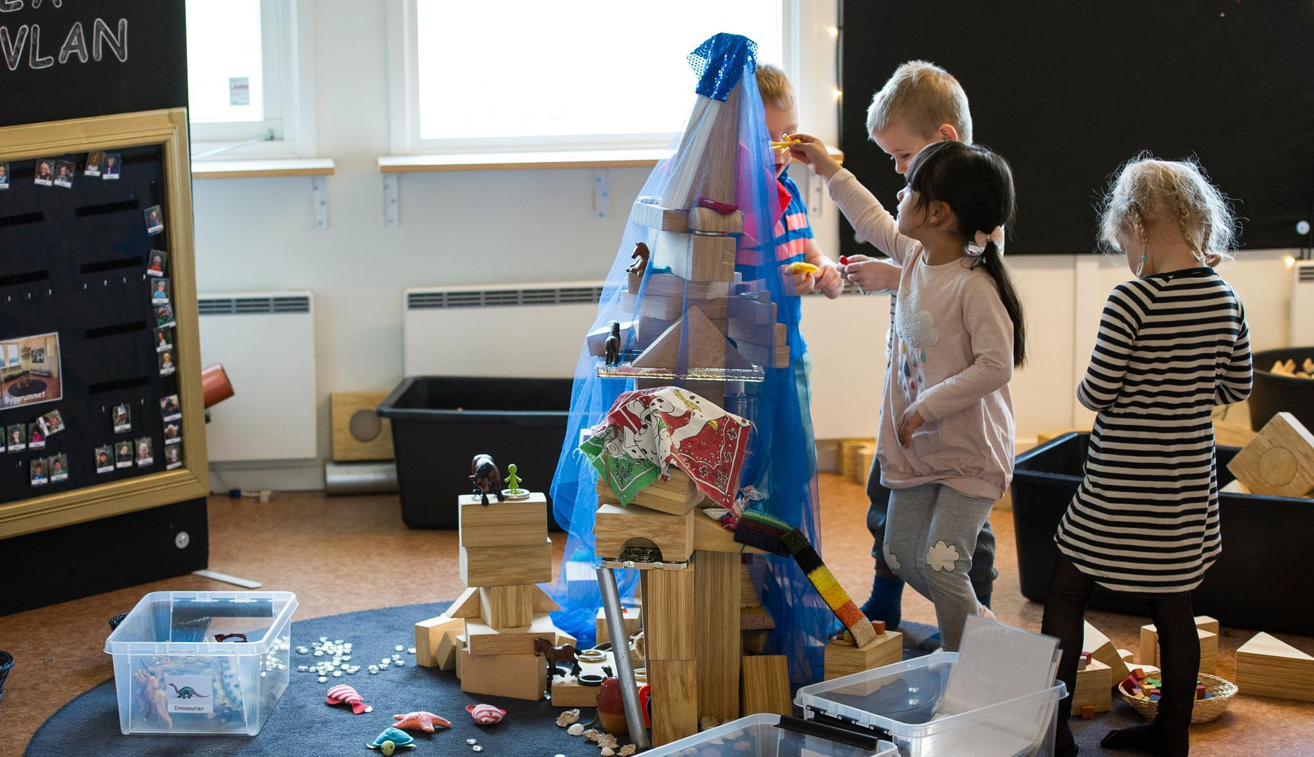Den nya förskolebudgeten i Göteborg kan leda till att 5000 platser förskoleplatser försvinner.