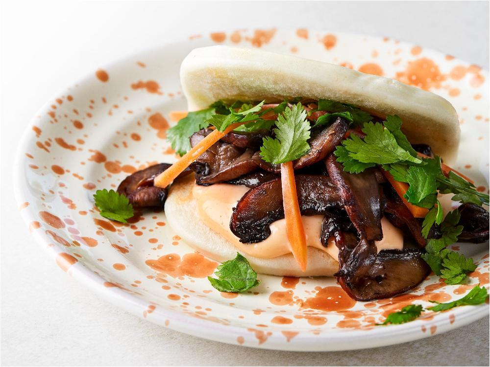 Bao med sesamportabello, srirachamajonnäs och picklad morot