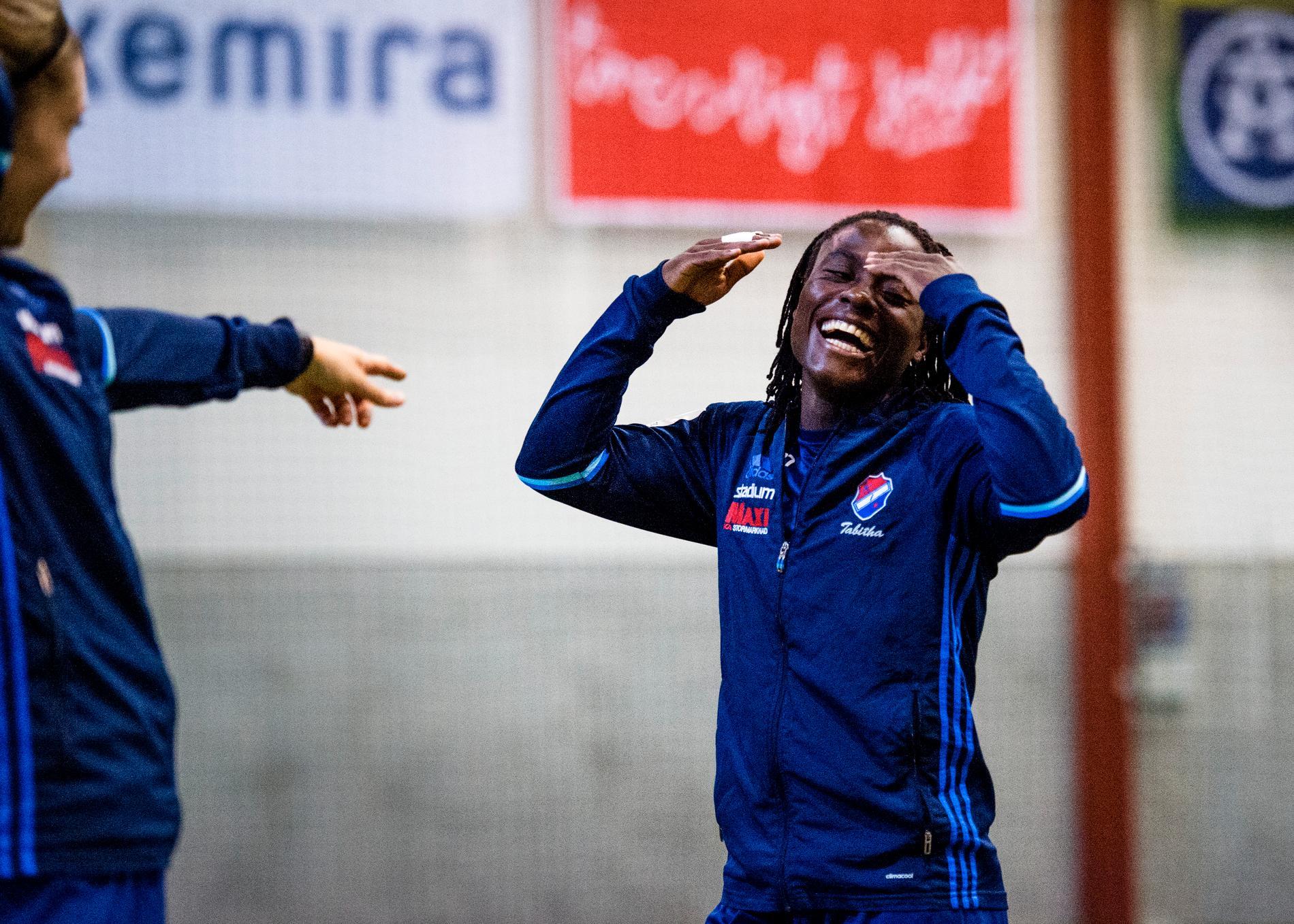 Den malawiska stjärnan är inte bara en målskytt utan också en uppskattad lagkompis på träningar.