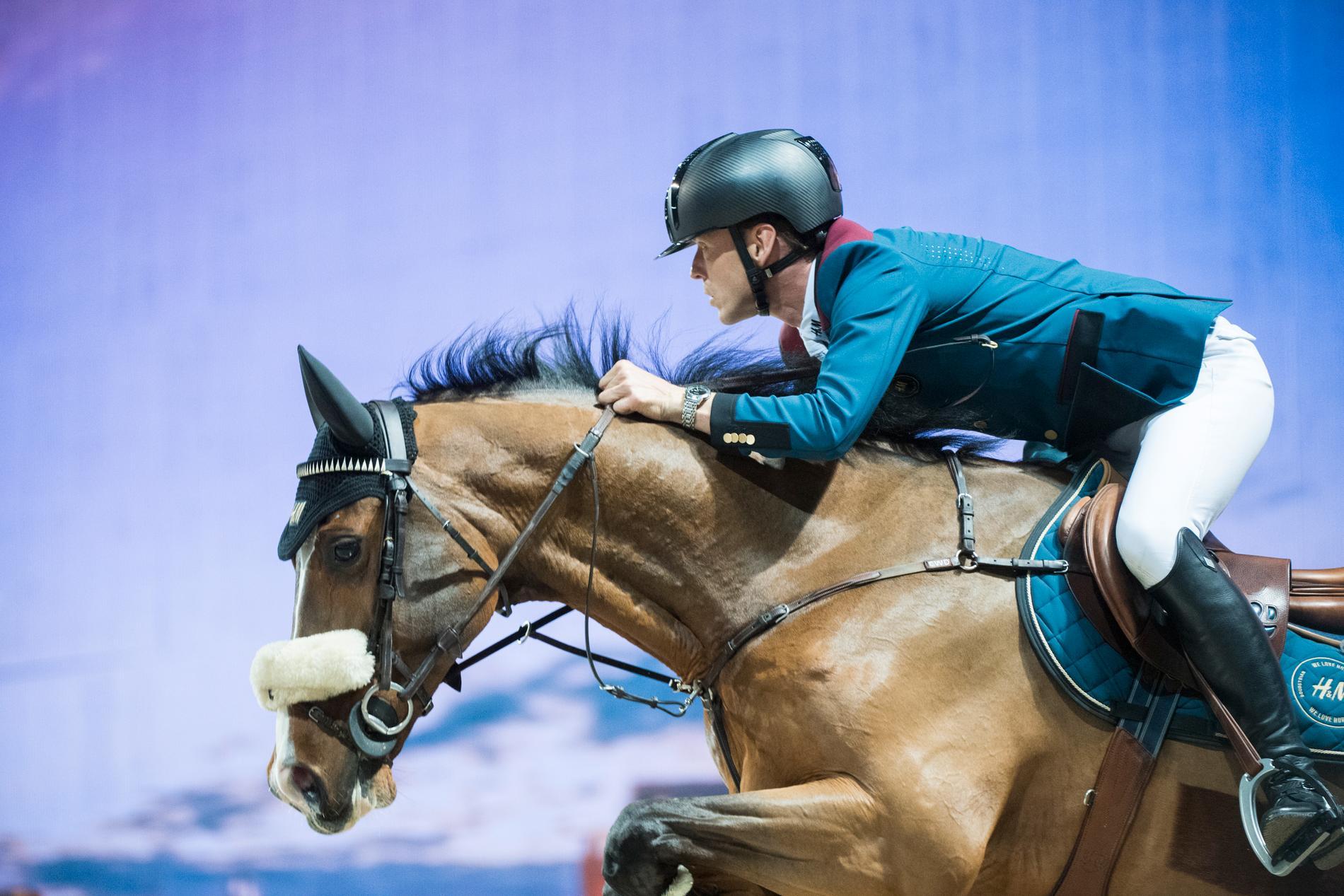 Peder Fredricson, på hästen Hansson WL, gör succé i Doha. Arkivbild.