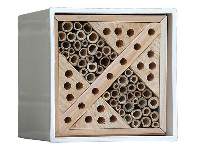 Bihotell Urban bee box, 449 kr, Wexthuset.se.