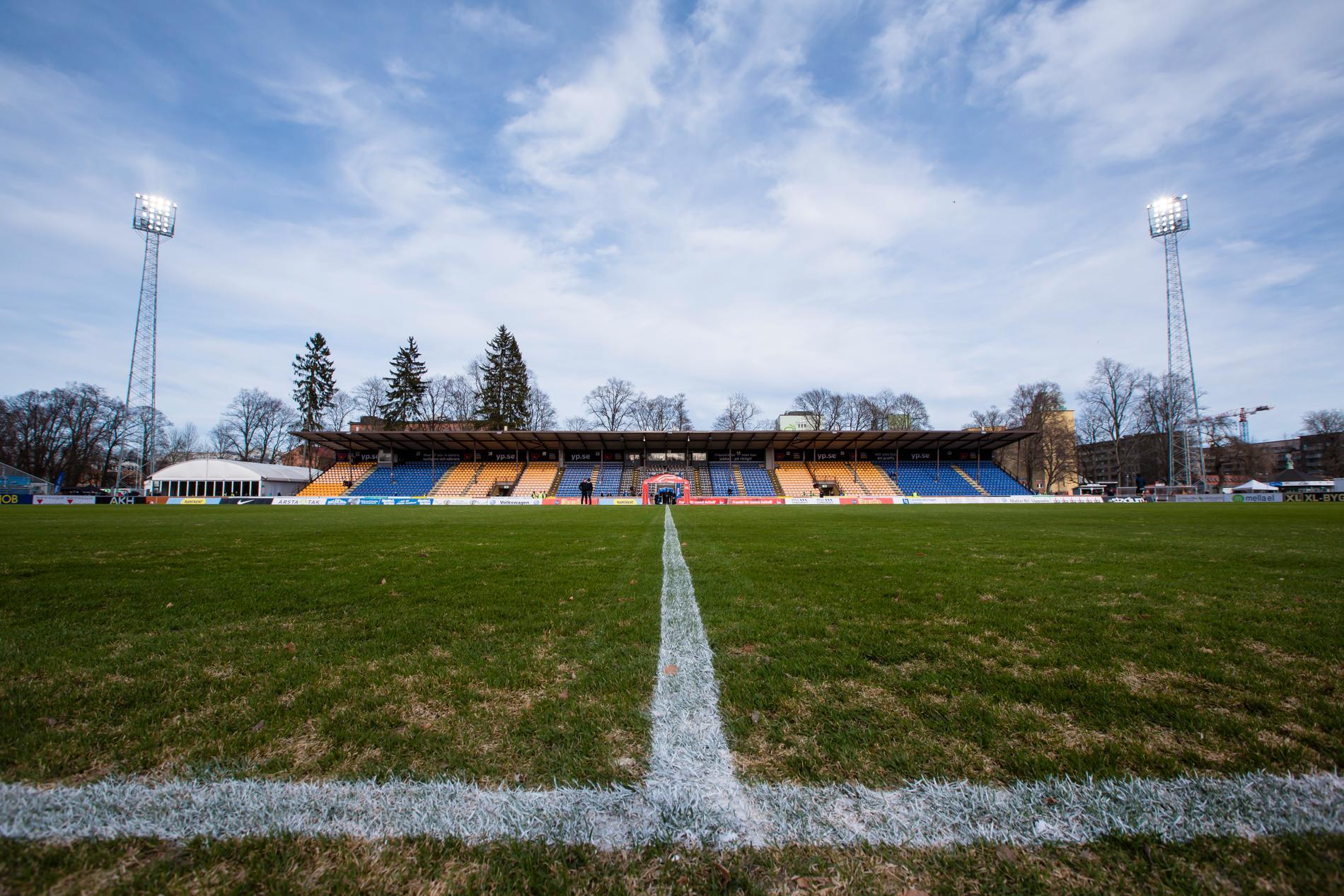 Planen i Uppsala i samband med Sirius hemmapremiär mot IFK Göteborg.