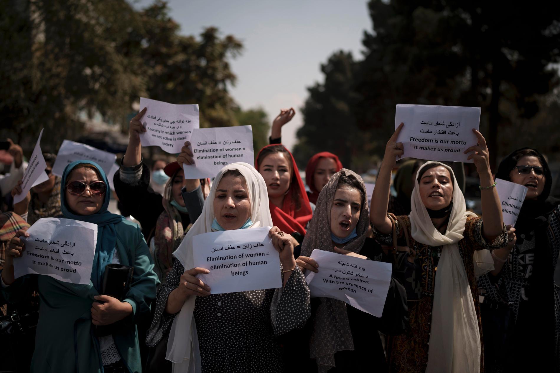 Kvinnor som protesterar för sina rättigheter i Kabul, den 19 september 2021.