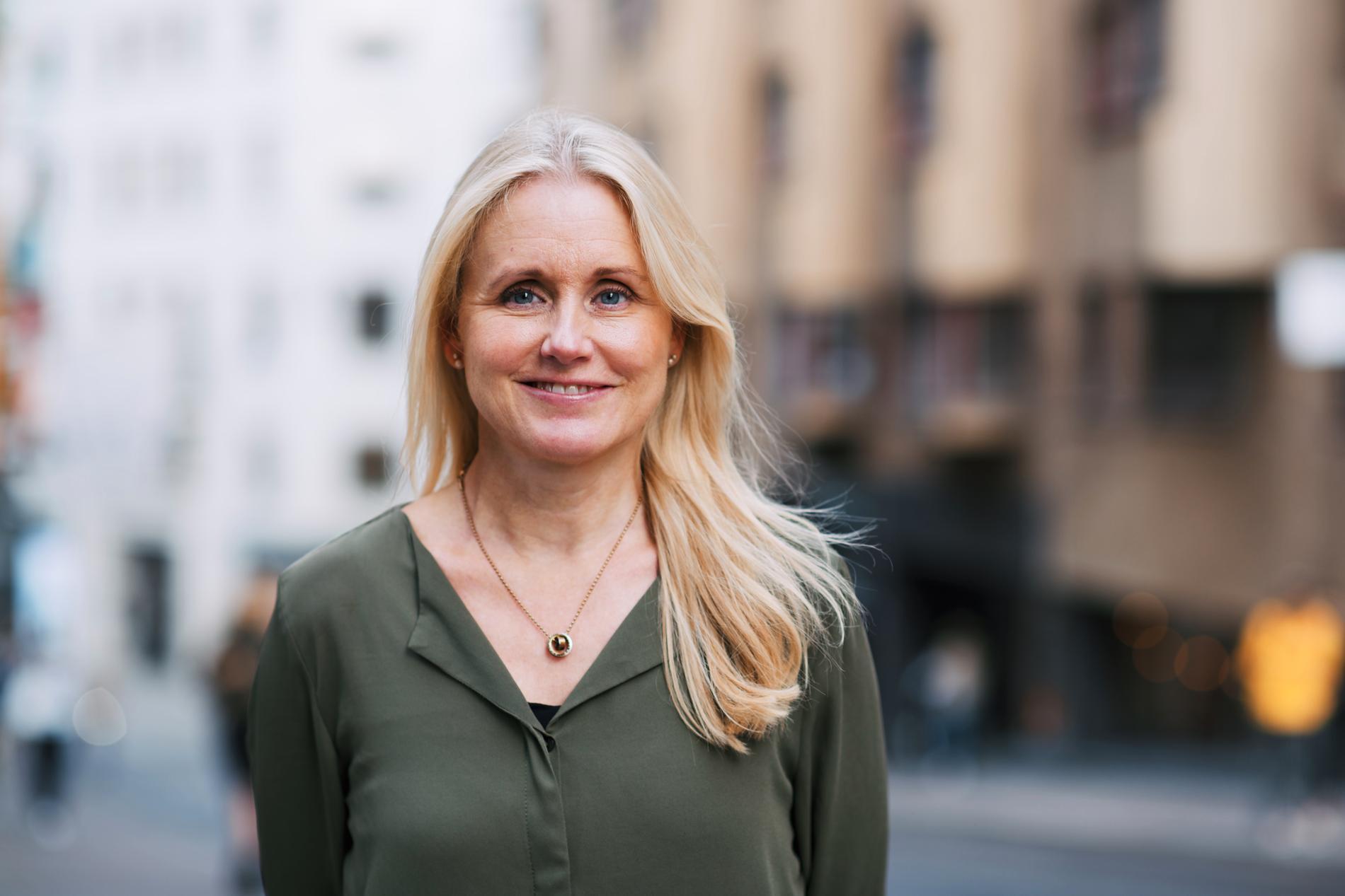 Läkaren Sanna Siljeholm, specialist i allmänmedicin vid Doktor24, tipsar om att klä barnen i flera lager.