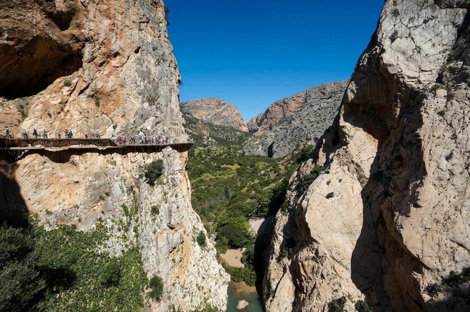 Trots att vandringen är säker i dag så är den ingenting för den höjdrädda.