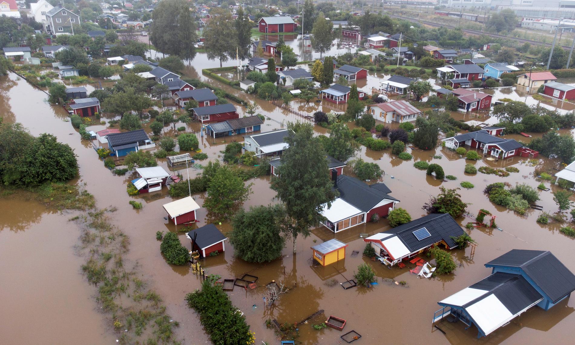 Flera fastigheter vattenskadades i samband med översvämningarna i Gävle i augusti – nu kräver försäkringsbranschen att staten tillsätter en översvämningsutredning.