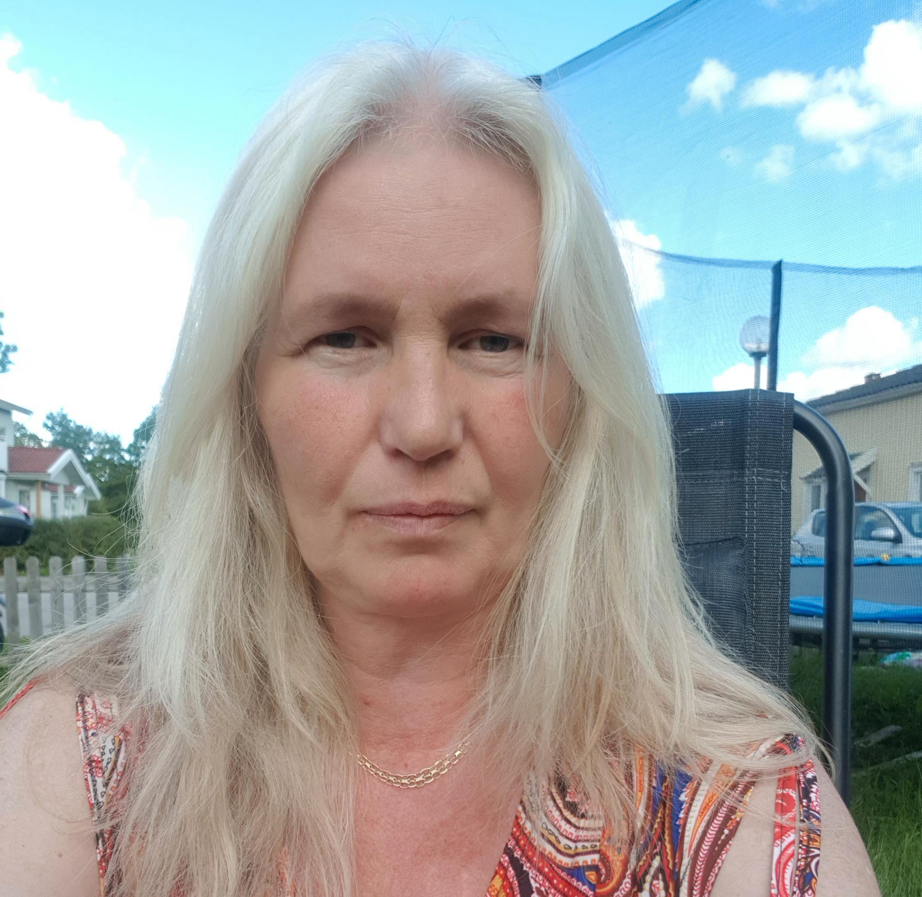 Lena Teodorsson känner sig inte längre trygg i området där hon bor.
