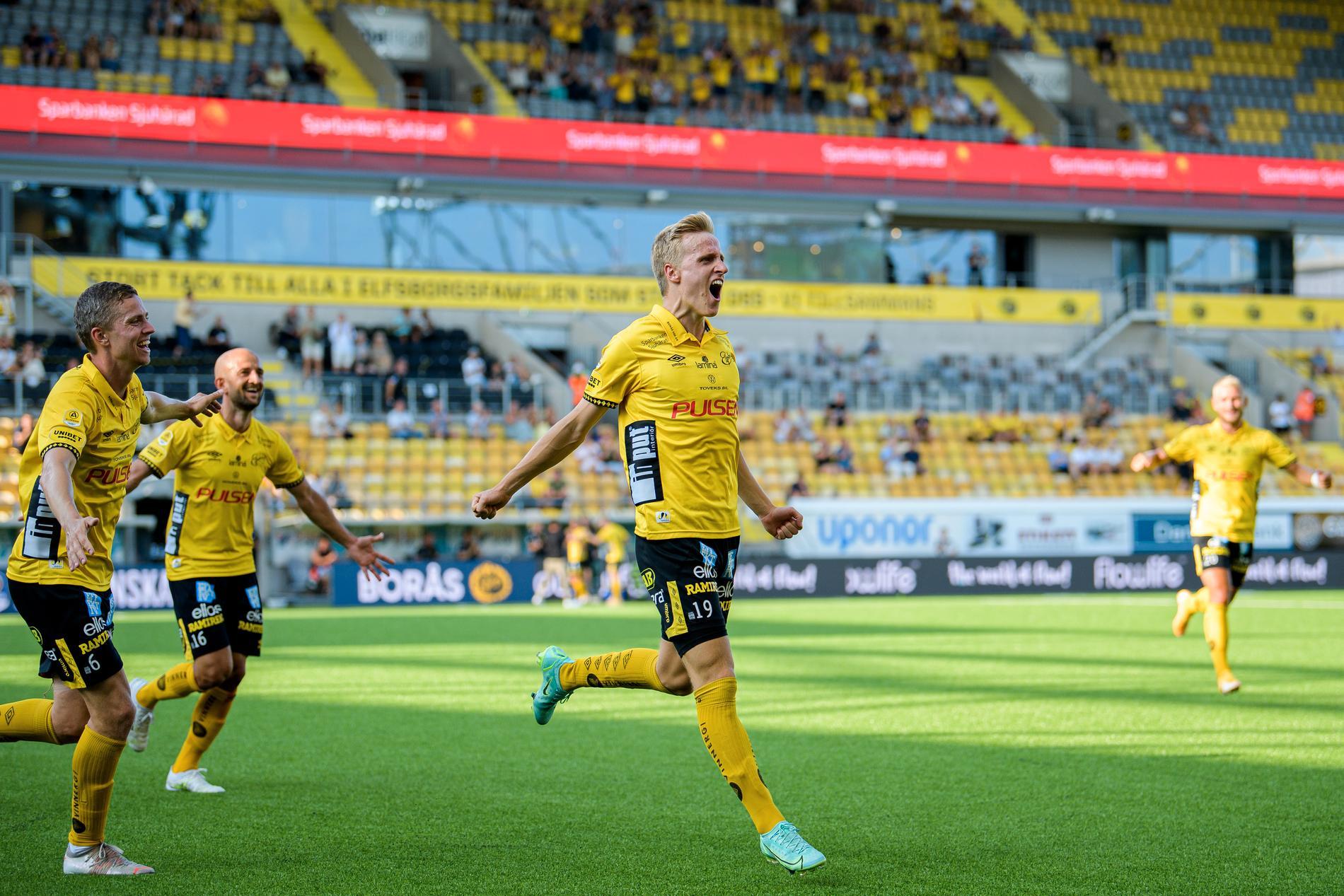 Jeppe Okkels efter sitt 2–0-mål.