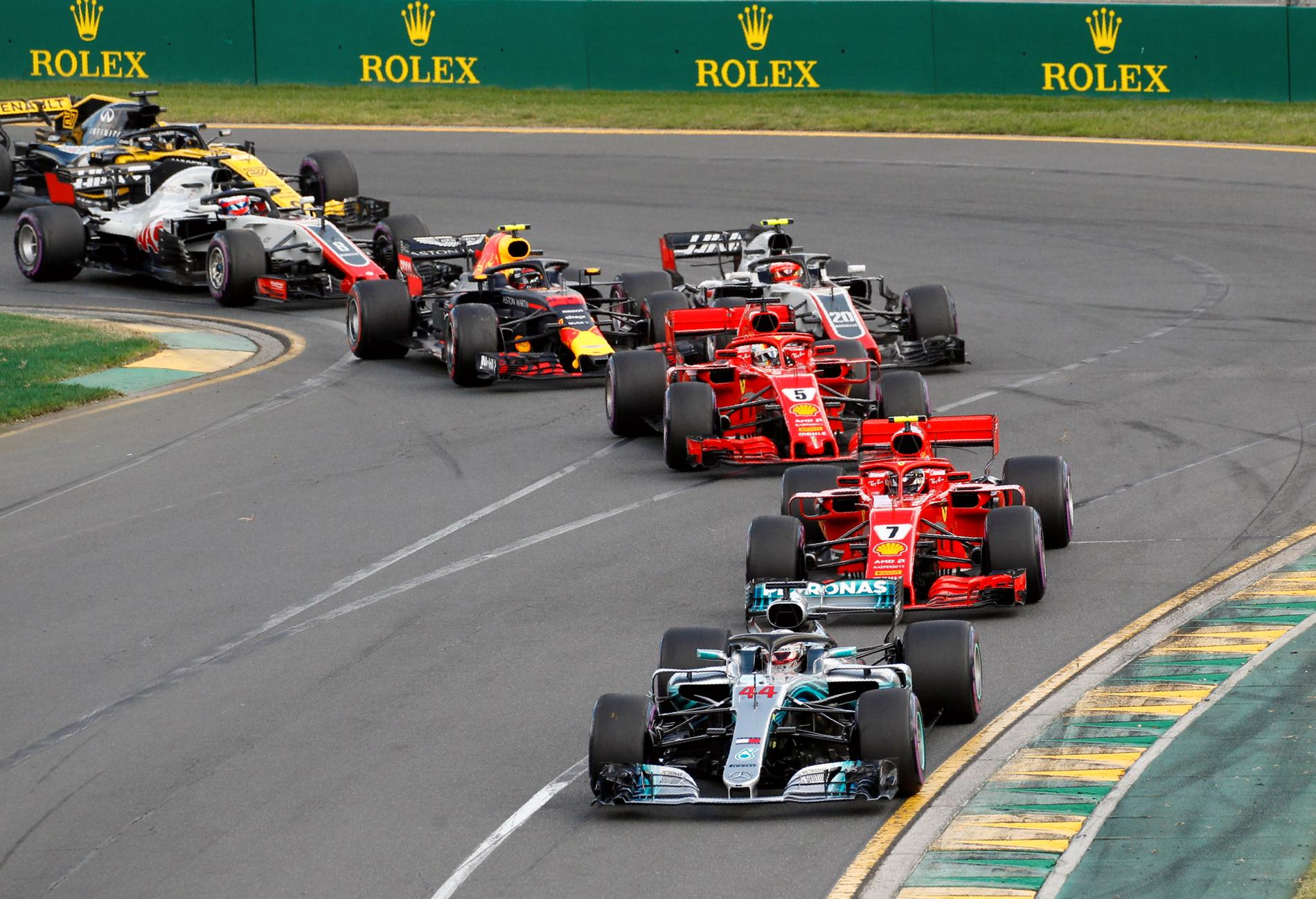 Mercedes och Ferrari toppade Australiens GP efter starten