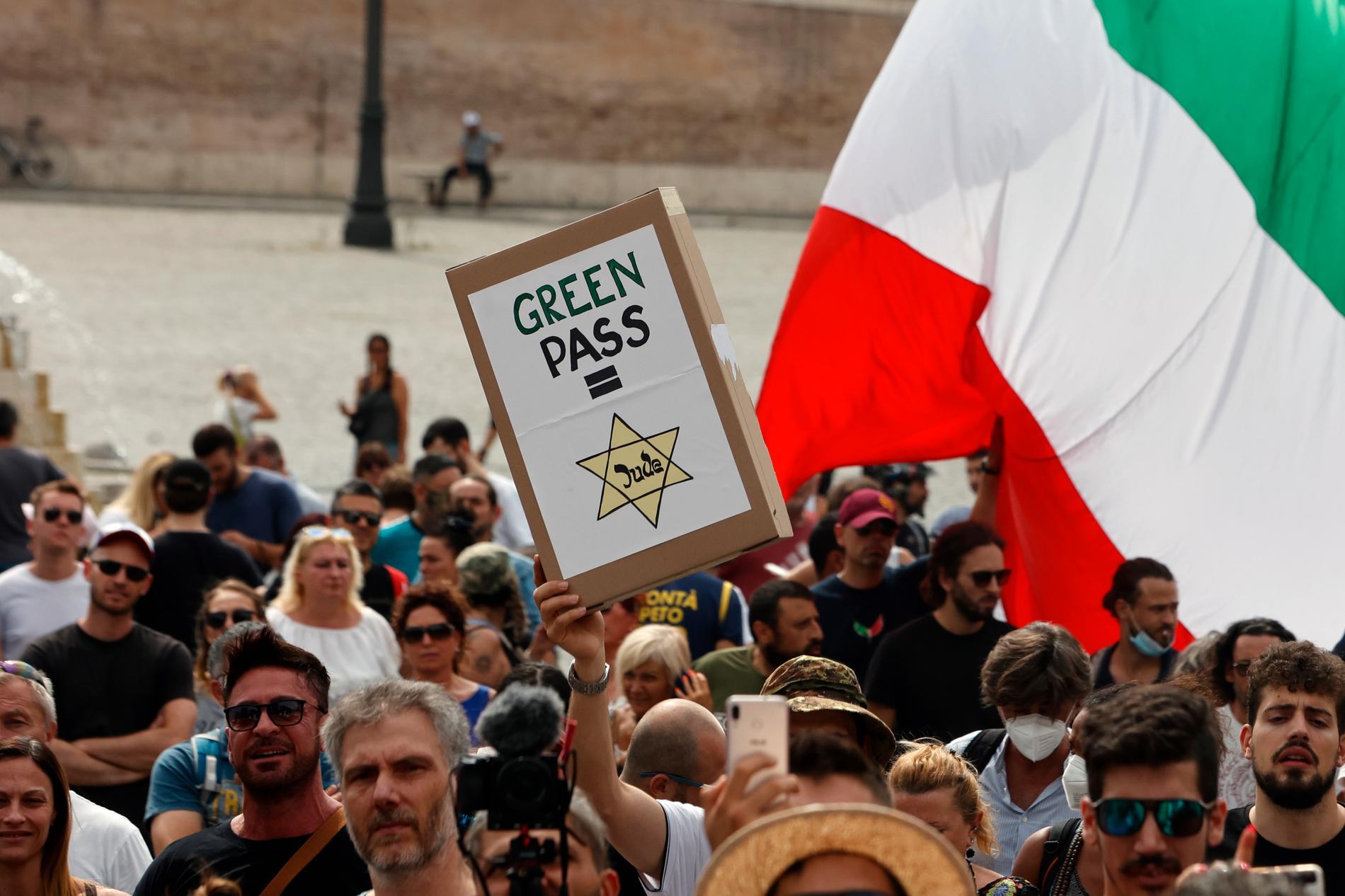 Demonstration mot covid-passen i Italien.