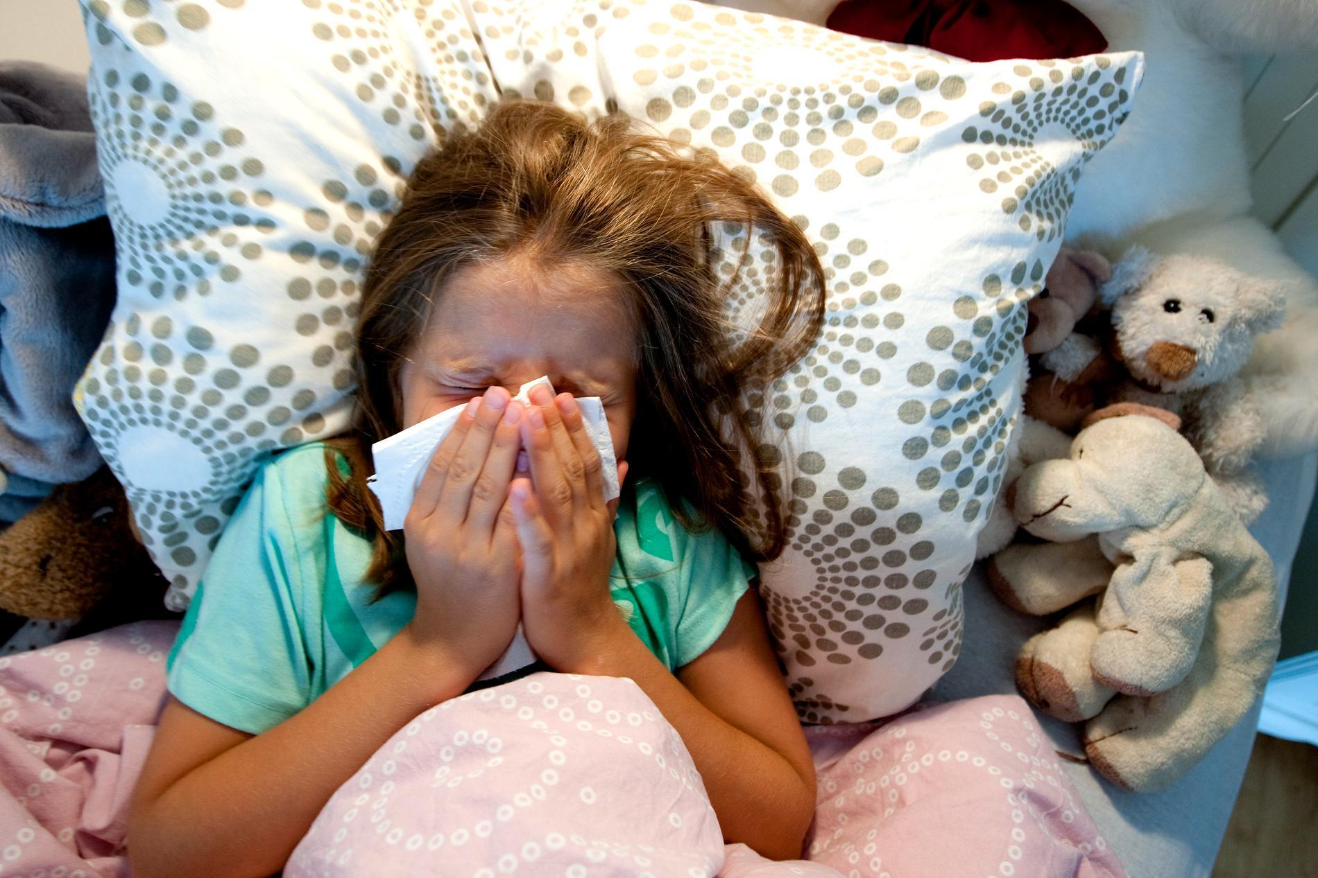 Ovanligt många sjuka barn i februari, enligt statistik från Försäkringskassan. Arkivbild.