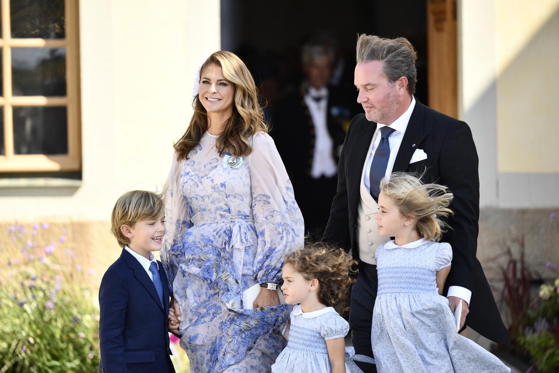 Prinsessan Madeleine, prins Nicolas, prinsessan Adrienne, Christopher O'Neill och prinsessan Leonore.