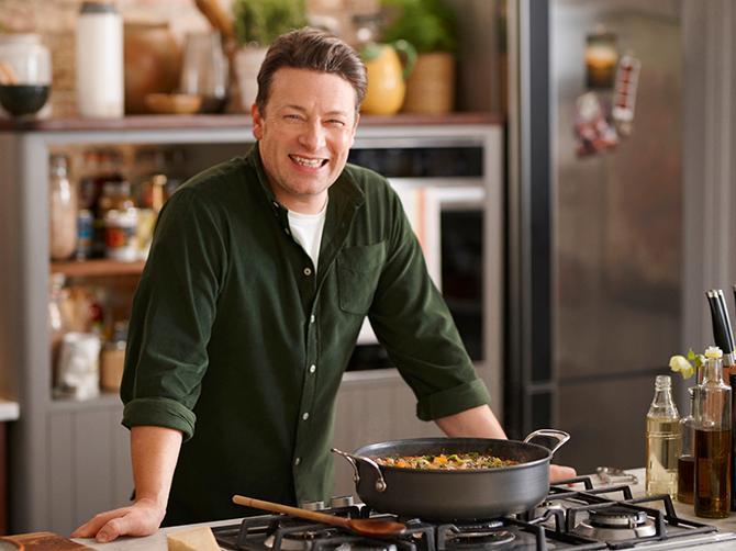 Jamie Oliver bjuder på recept, tips och tricks.