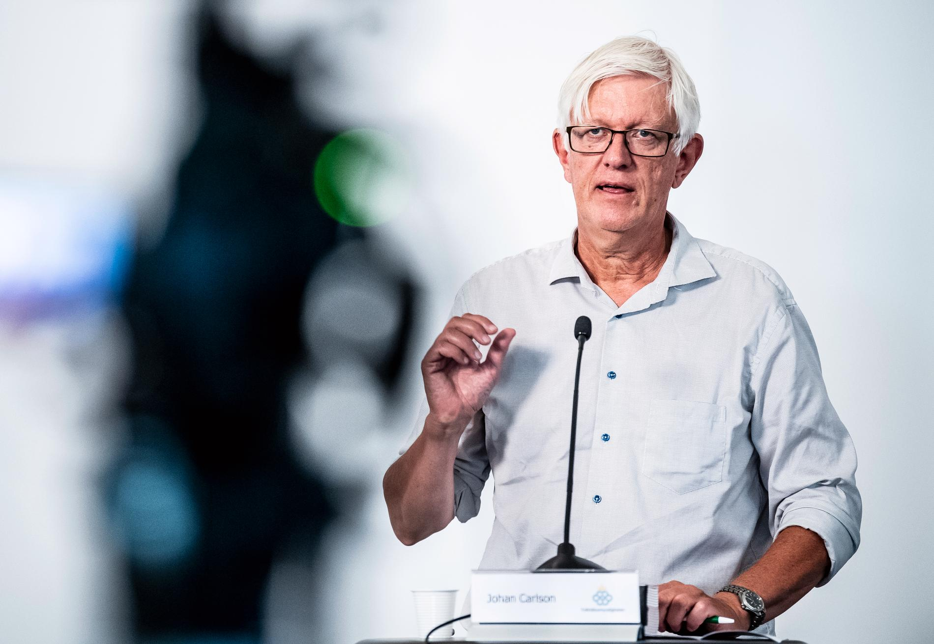 """Folkhälsomyndighetens generaldirektör Johan Carlson säger att den svenska strategin varit bra: """"Ett av få länder med begränsad smittspridning""""."""