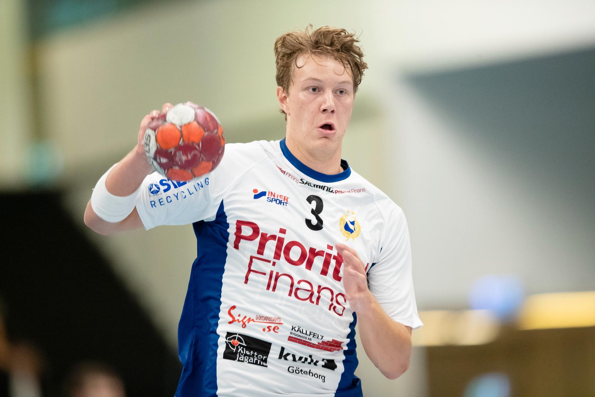 Elliot Stenmalm har i veckan besökt polska storklubben Kielce.