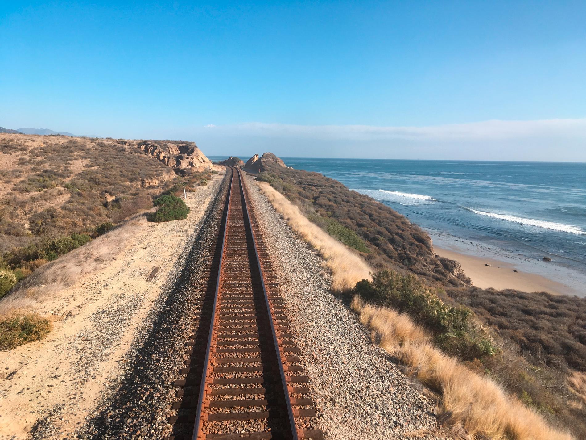 Coast Starlight bjuder på varierande utsikter på resan längs den amerikanska kusten.