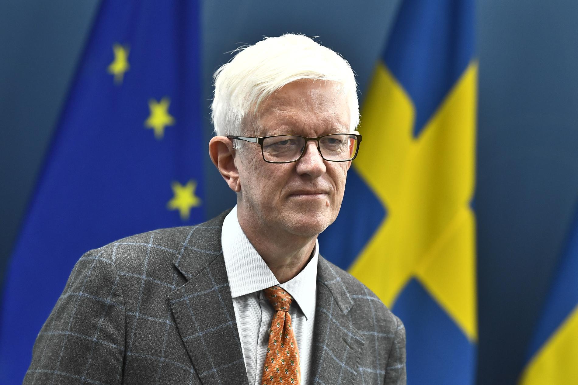 Johan Carlson, generaldirektör på Folkhälsomyndigheten, går till hård motattack mot Sverigedemokraternas Jimmie Åkesson.
